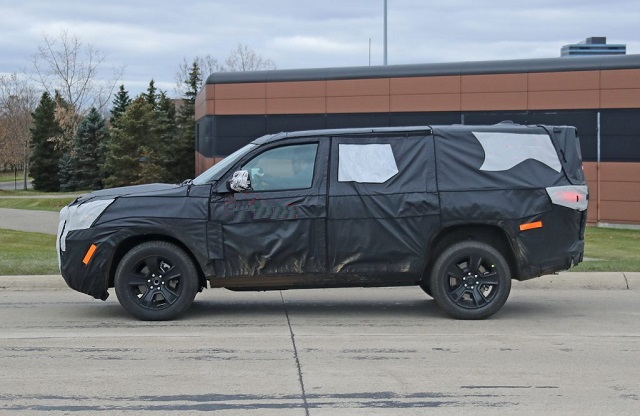 2022 Jeep Wagoneer Spy Photo