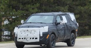 2022 Jeep Wagoneer Spy Shot