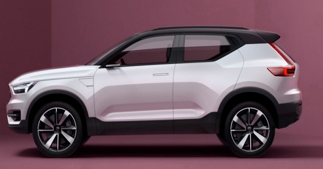 2021 Volvo XC20 side view