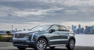 2022 Cadillac XT4 front view
